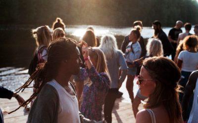 «eifachWiit» – Gemeinschaft statt herkömmliche Kirche
